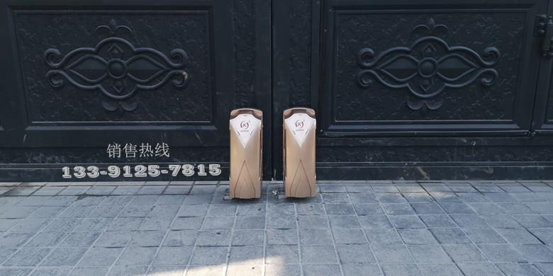 佘山东紫园玲珑华府-铸铝门及车牌识别系统
