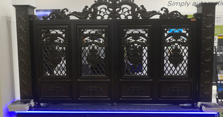 航空鋁板整體雕塑門